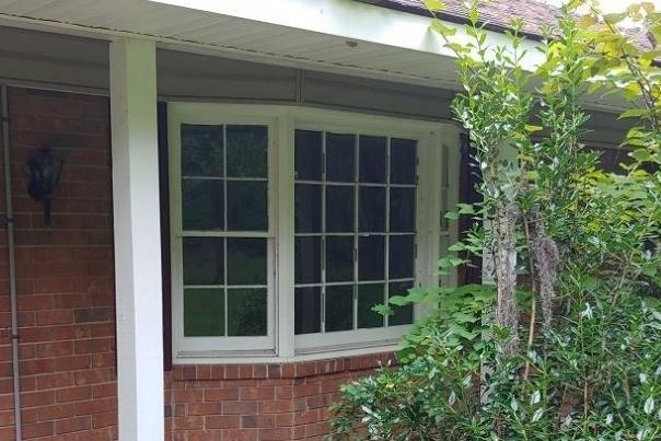 Darien Bay Windows - Before